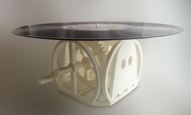 engineer-makes-3d-printed-hand-cranked-turntable