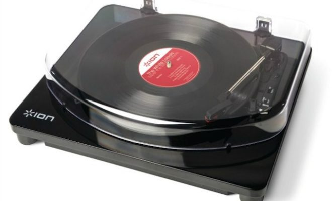 this-bluetooth-turntable-lets-you-play-vinyl-wirelessly