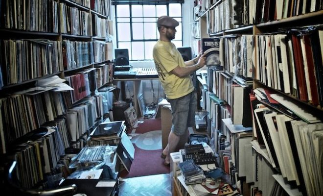 video-have-a-look-around-joey-negros-enormous-record-collection