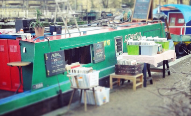 there-is-a-record-store-boat-that-is-docked-in-london-right-now-and-will-tour-the-uk