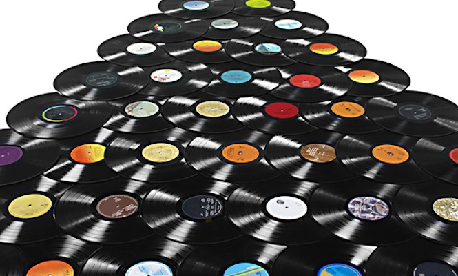 us-record-industry-earnings-revenue-from-cds-and-downloads-dip-streaming-and-vinyl-soar