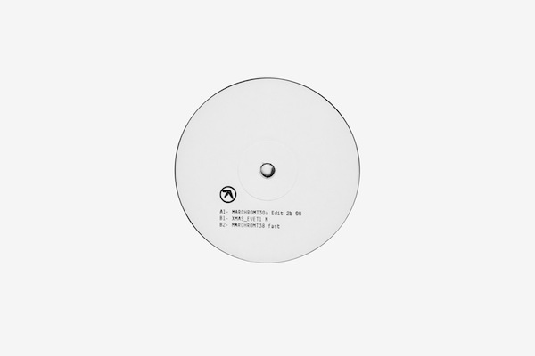 Aphex Twin releases new single on white label 12