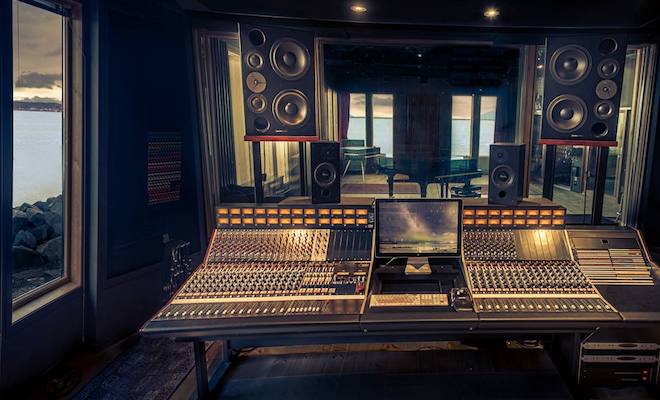 striking-a-chord-6-beautiful-and-innovative-recording-studios