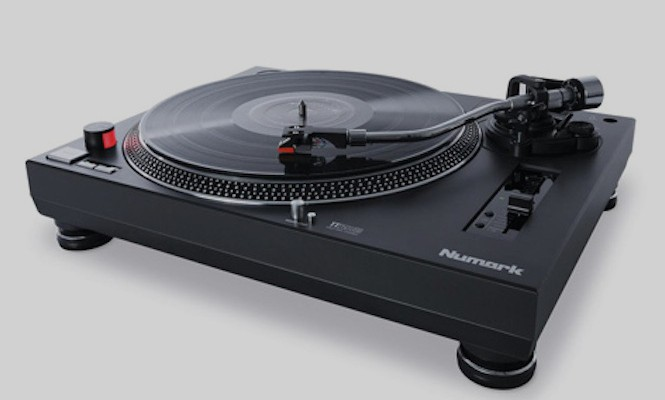 numark-unveil-a-new-technics-inspired-turntable