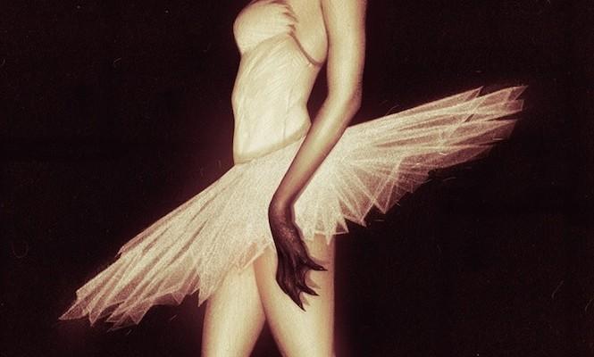 black-swan-soundtrack-gets-stunning-vinyl-release