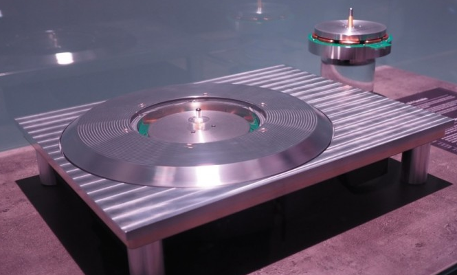 Inside the new Technics turntable