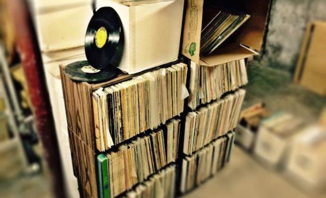 buy-vinyl-records-for-10-cents-a-pound-at-this-online-record-shop