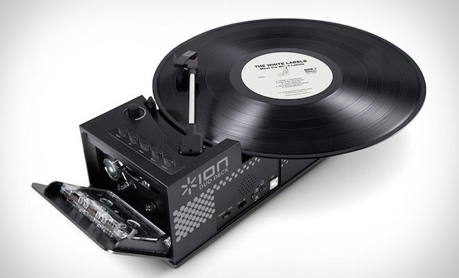 turntable-and-cassette-player