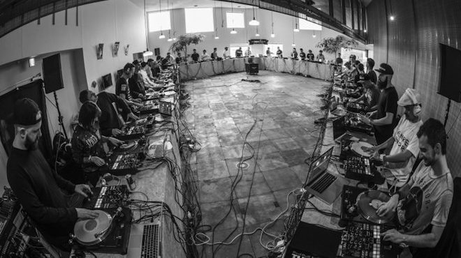 watch-40-djs-break-the-record-for-the-worlds-biggest-scratch-session