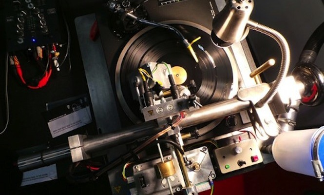 Watch vinyl being cut live at Capitol Records this weekend