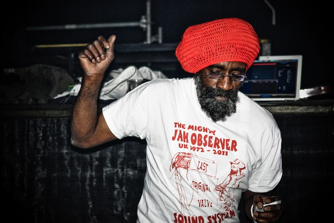 Austin Palmer, Jah Observer, Sottotetto Sound Club, Bologne, Italy, October 2011 - Photo: Rita Verde
