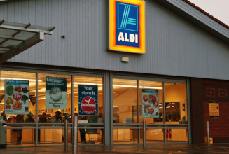 Discount supermarket Aldi to sell vinyl records