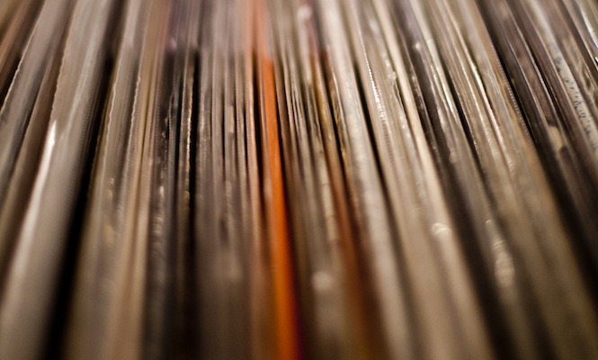 UK vinyl sales worth more than 14 billion YouTube streams