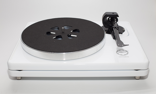 uk-audio-company-roksan-unveil-sleek-new-high-end-turntable