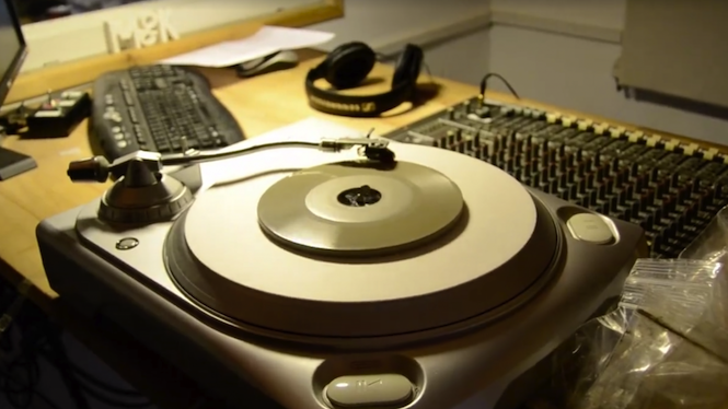 listen-to-the-worlds-first-record-made-of-concrete