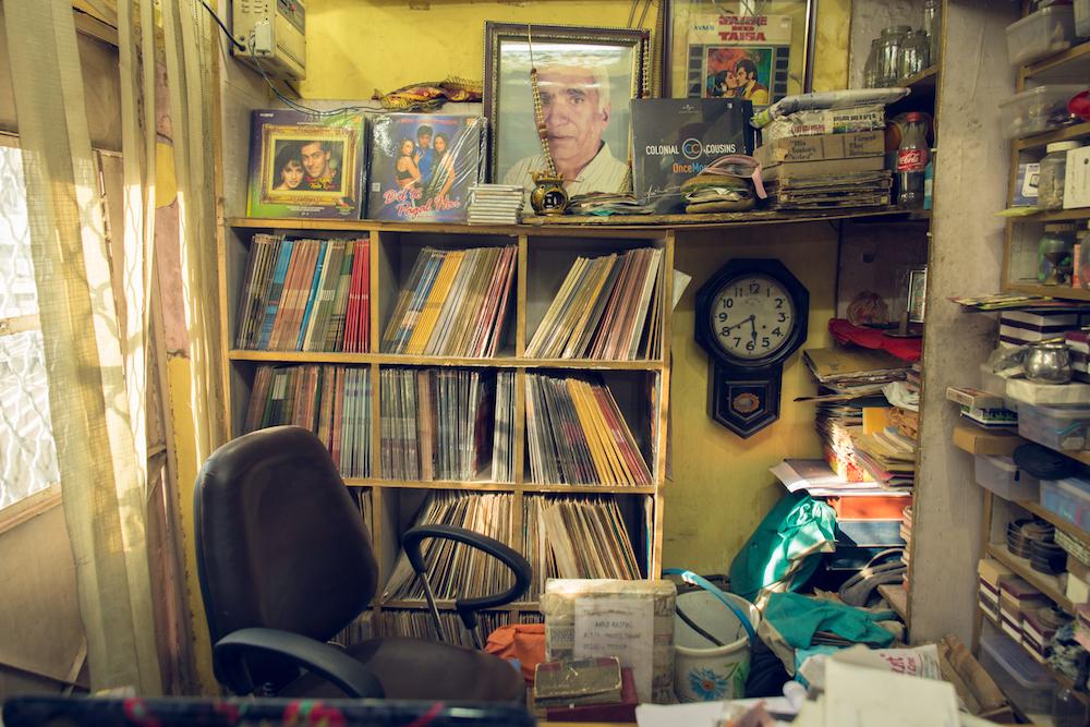 Gramofonske ploče New_Gramophone_House_Delhi_TomDMorgan_BrandNewWayo_HiRes-03