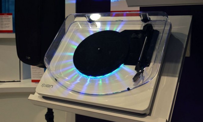 ion-unveils-two-new-flashing-turntables