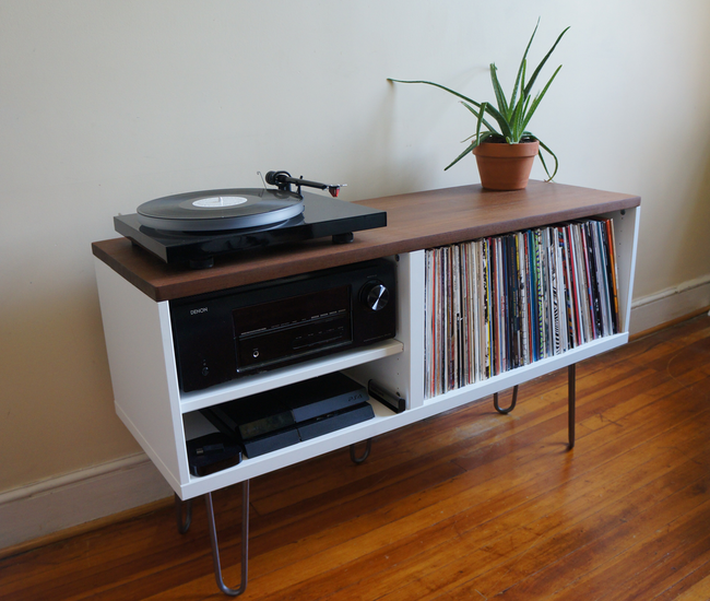 Seven cunning ikea hacks for vinyl lovers the vinyl factory for Meuble pour platine vinyle