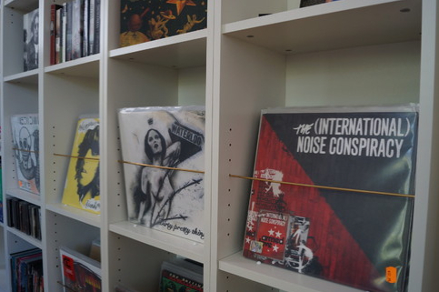 Seven cunning ikea hacks for vinyl lovers the vinyl factory for Ikea kallax records