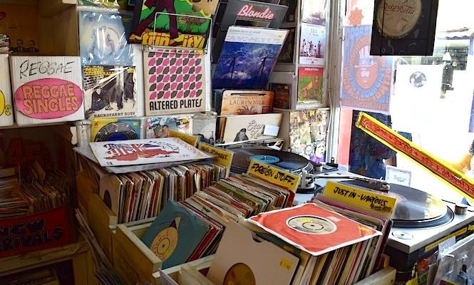record-store-guide-print-magazine-vinyl-virus