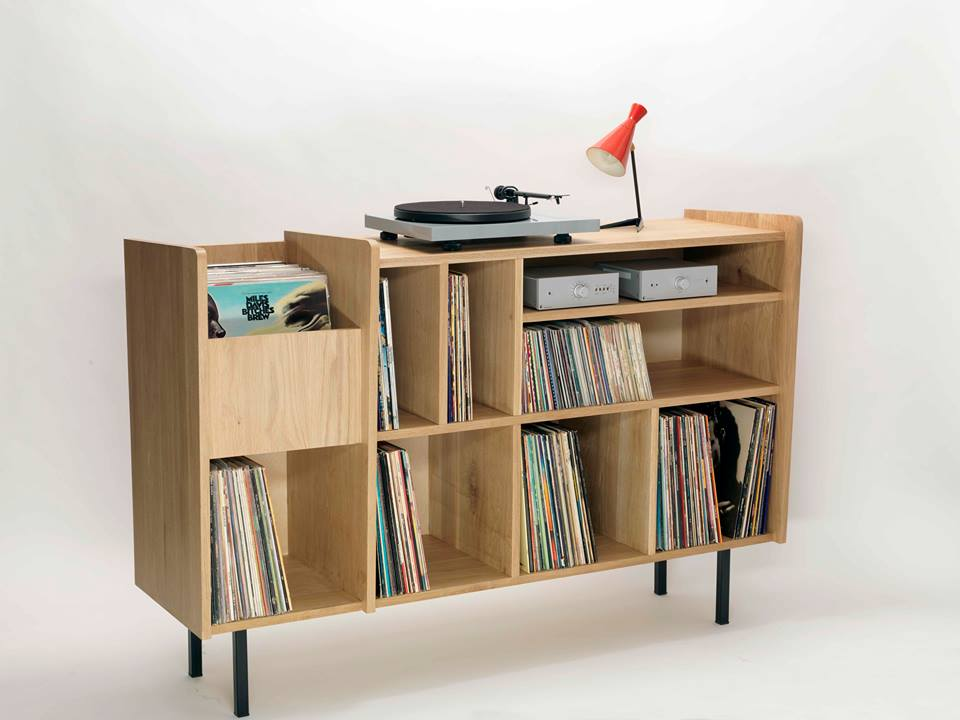 10 incredible record player consoles to reimagine your for Meuble console ikea