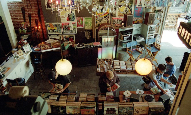 This shop is selling thousands of records for $1 to celebrate 4th July