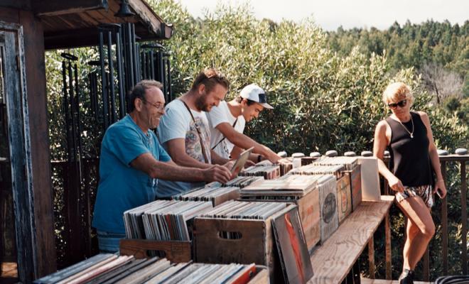 visual-tour-of-hawaii-record-shops