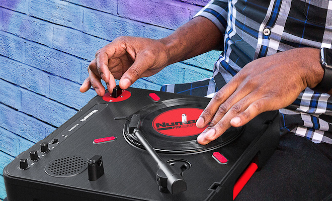 numark-new-portable-pt01-scratch-turntable