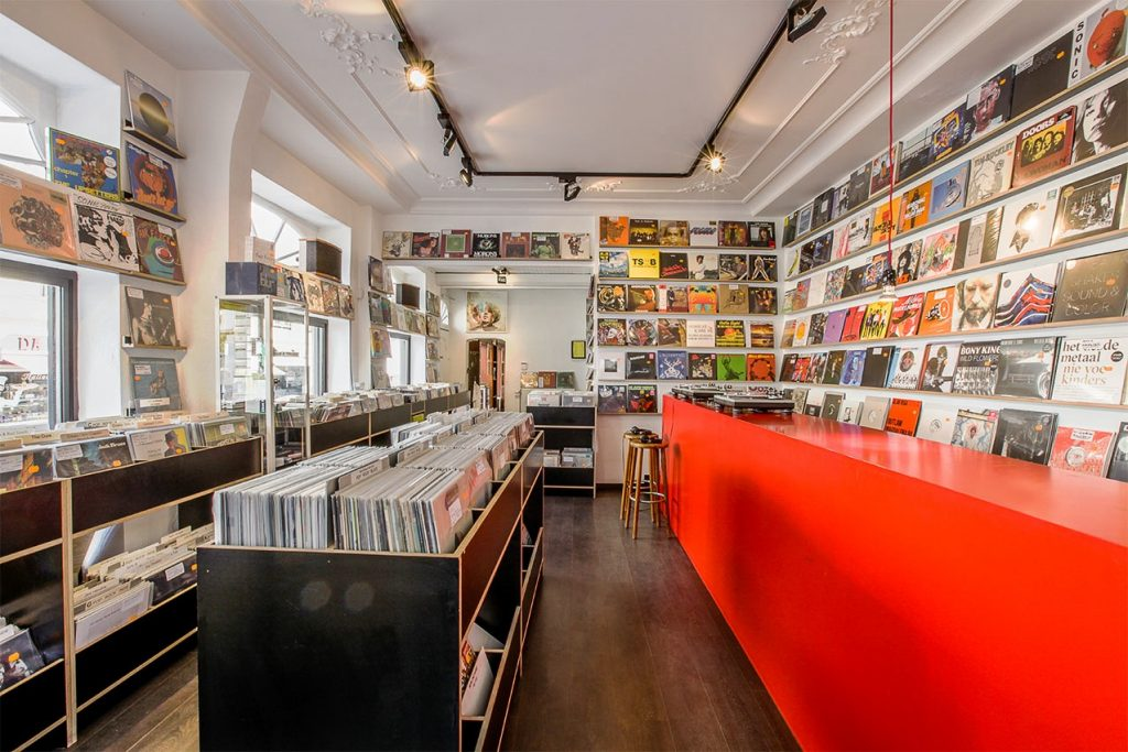 the world 39 s best record shops 042 music mania ghent. Black Bedroom Furniture Sets. Home Design Ideas
