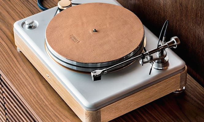 "VPI and Shinola collaborate on ""American Made"" turntable"