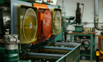 injection moulding pressing