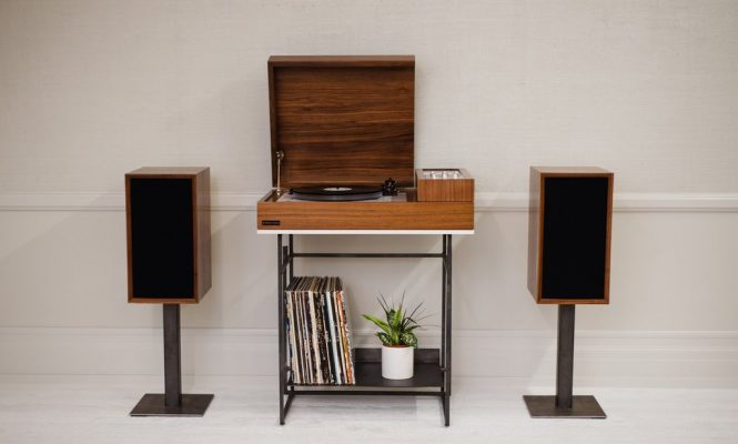This new turntable console pairs hi-fi analogue and wireless streaming