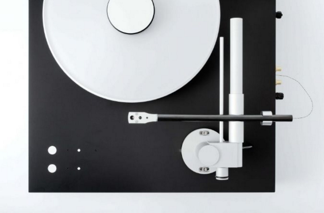 The Timeless Beauty Of Minimal Turntable Design