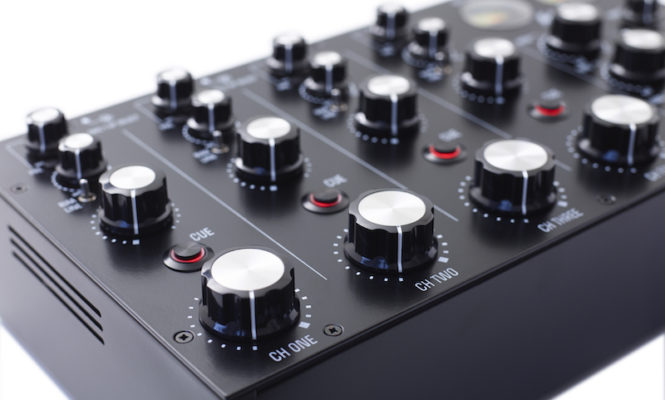 MasterSounds unveils new four-channel analogue rotary DJ mixer