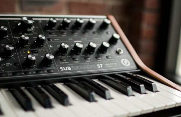 Moog releases new analogue synth, Subsequent 37