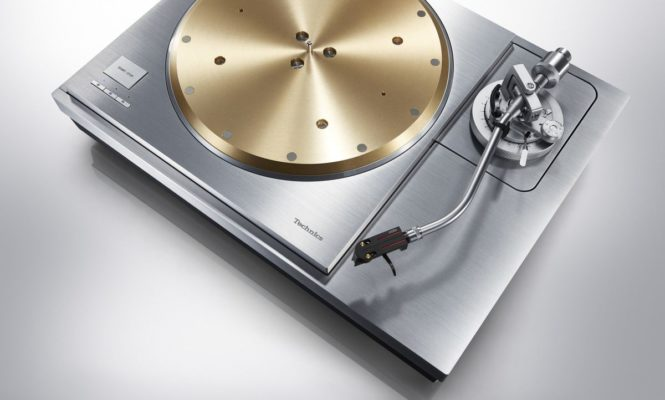 "Technics unveils new ""premium"" SP-10R and SL-1000R turntables"
