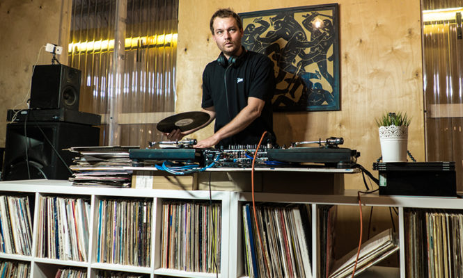 Watch Foreign Beggars' DJ Nonames vinyl-only hip-hop mix