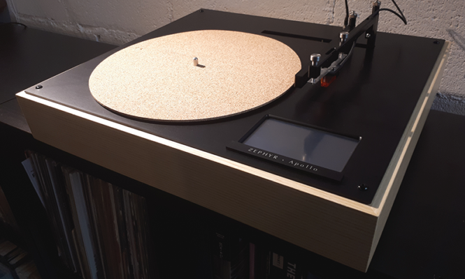 "This new ""fully automatic"" turntable is controlled via touch screen and smartphone"