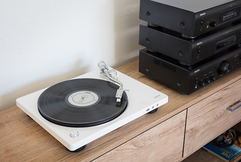 Denon unveils two new plug-and-play turntables