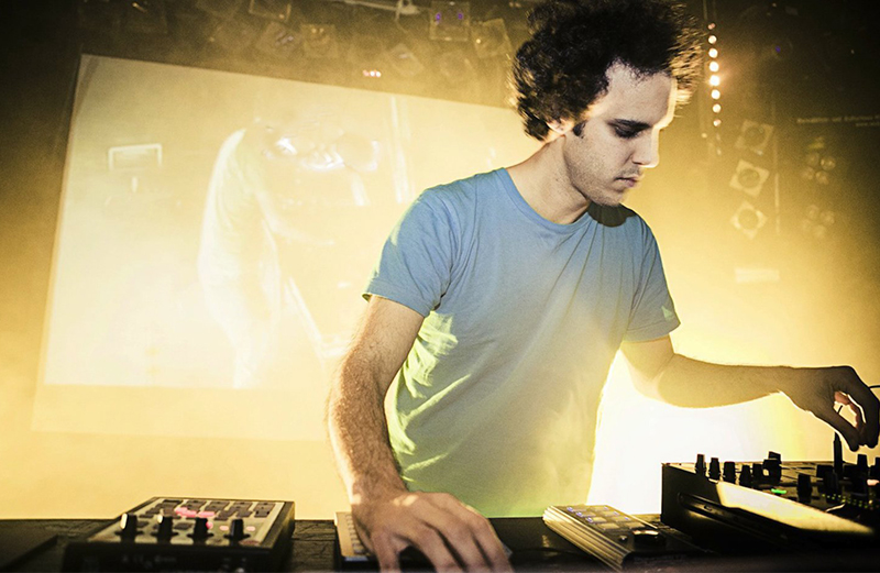 """Four Tet releasing new 12"""" Anna Painting, featuring music from Anna Liber Lewis collaboration"""