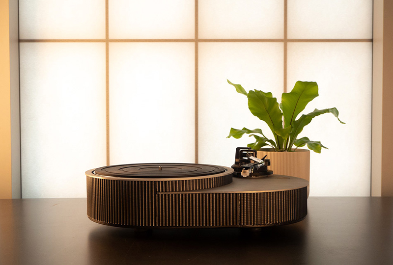 This new aluminium turntable has a design inspired by soundwaves