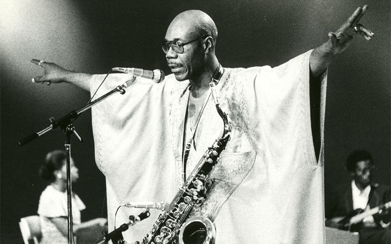 Addio a Manu Dibango, ambasciatore del sassofono afro