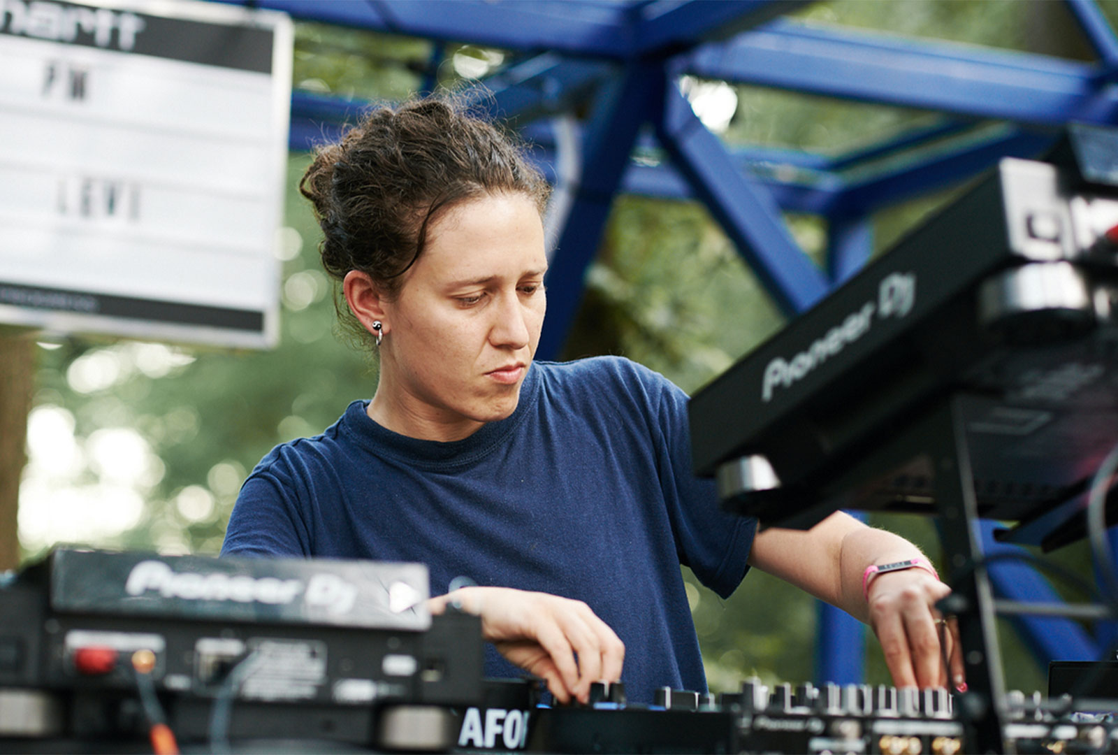 Mica Levi releasing Ruff Dog and Blue Alibi albums on vinyl